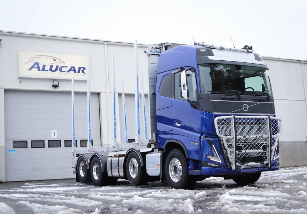 Pertti Kanasen uuden mallin Volvo FH16 750 8x4R