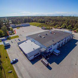 Kuorma-automyynti, -huolto ja -korjaamo Kokkolassa