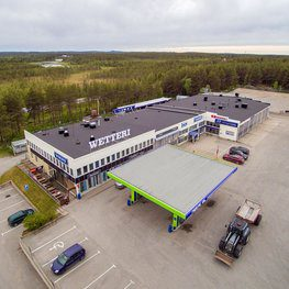 Kuorma-automyynti, -huolto ja -korjaamo Kuusamossa