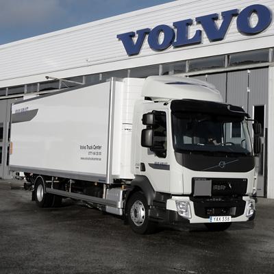 Volvo FL 4x2 skåp med kyla/värme och baklyft