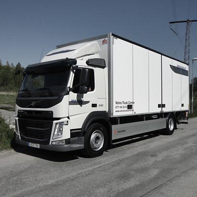 Volvo FM 4x2 Skåp med baklyft och drag (VBG)