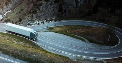 Volvo FH I-see on road