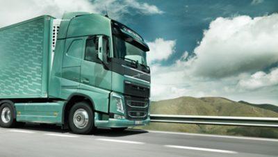 Volvo trucks managing dynafleet positioning front green truck