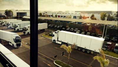 The Unit Tracking function lets you keep track of trailer, service vans and other moving assets.