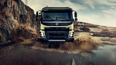 Volvo FMX mobility front puddle