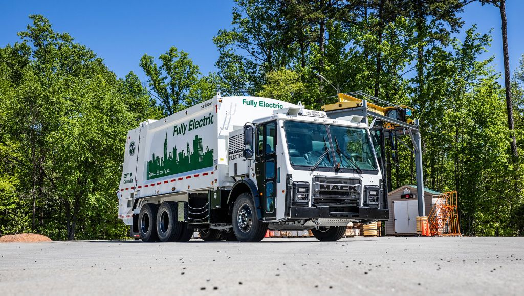 Mack Trucks to Open New Electric Vehicle Training Hub to Support Mack® LR Electric, Western U.S. and Canada