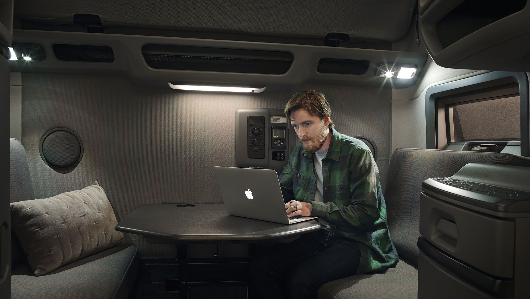 Volvo Trucks Offers Integrated Insurance to Customers in Select U.S. Markets