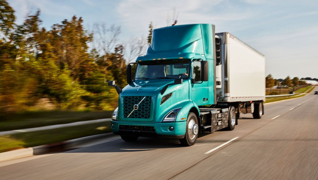 Volvo Trucks Opens New Training Facility in California to Support More Customers and New VNR Electric Model