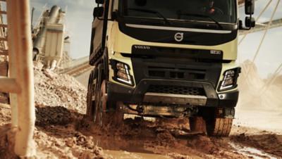 Volvo FMX rear air suspension mud puddle