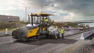 Un conducteur au volant d'un camion du groupe Volvo sur un chantier de construction
