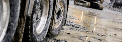 Volvo FMX steerable multi axles wheels excavator