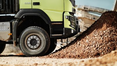 Volvo FMX uptime lower front sideview