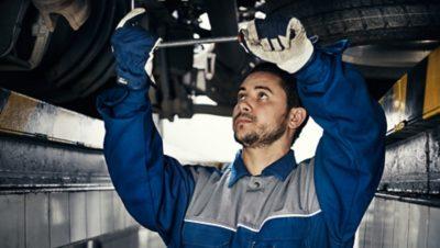 Volvo FMX uptime mechanic