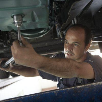 Механик по ремонту грузовых автомобилей