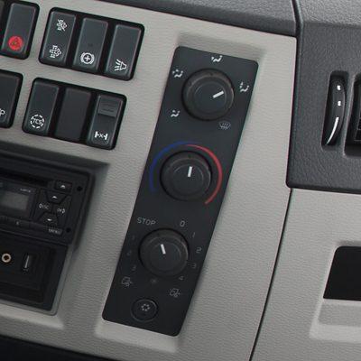 Controlo de climatização interior do Volvo FE