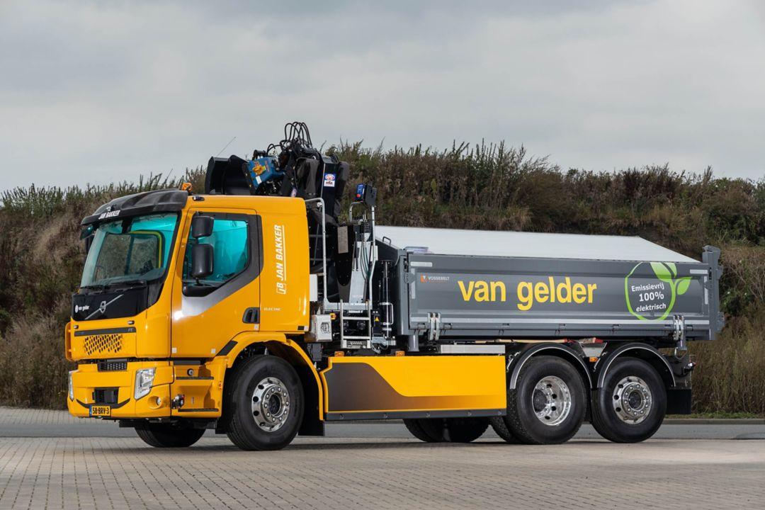 Van Gelder zet vier elektrische Volvo-trucks in