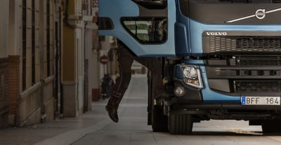 The Volvo FE entry step is perfectly designed for distribution drivers