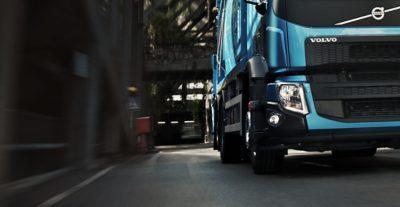 Moderne LED-Leuchten am Volvo FE