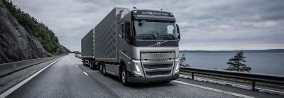 Bestellen Sie den Volvo FH mit bis zu fünf Achsen ab Werk.