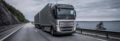 Encomende o Volvo FH com um máximo de cinco eixos diretamente de fábrica.