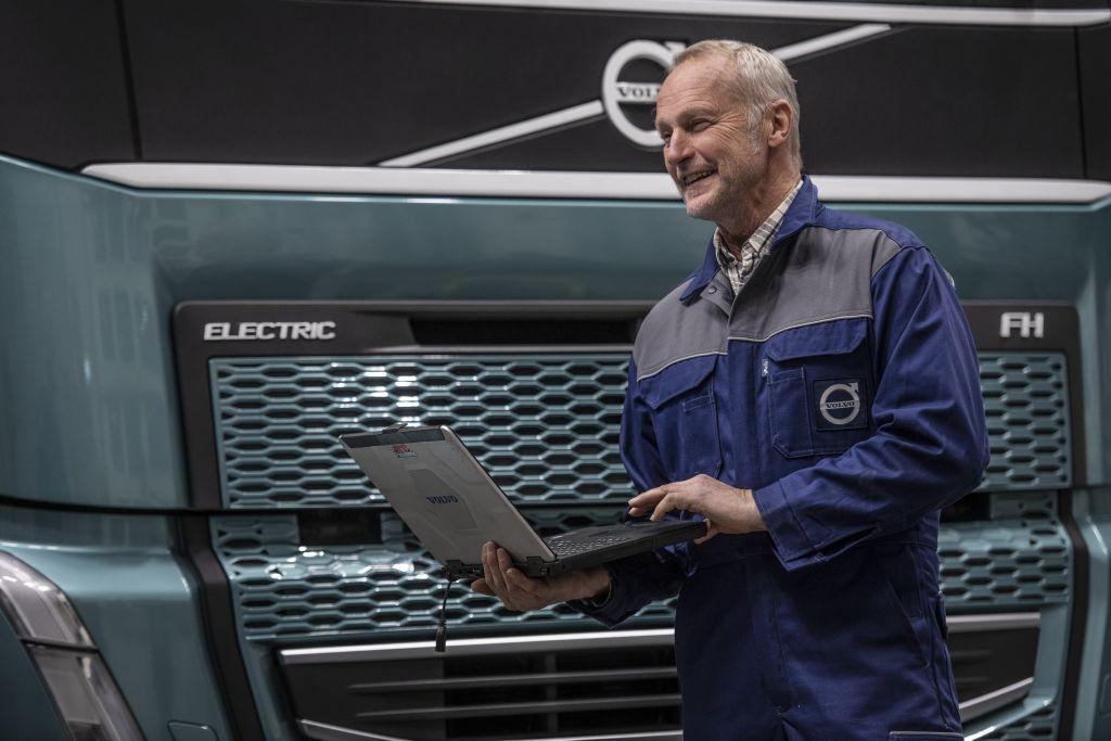 Hoe is de service en het onderhoud van een elektrische truck geregeld?