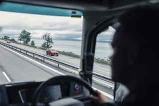 Space, visibility and comfort for long distances in the Volvo FH.
