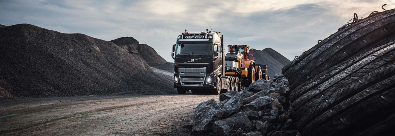 Utforsk funksjonene som gjør Volvo FH16 perfekt for utfordringene dine.