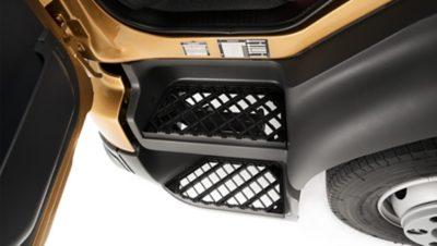 Volvo FL 入口腳踏板具備防滑塗層