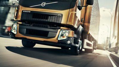 Передние фары Volvo FL