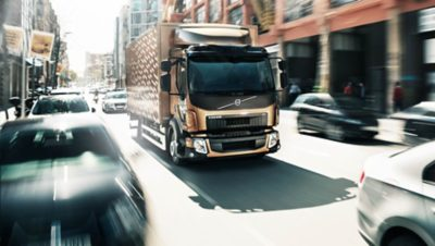 Volvo FL takes you through narrow streets in the city without any trouble