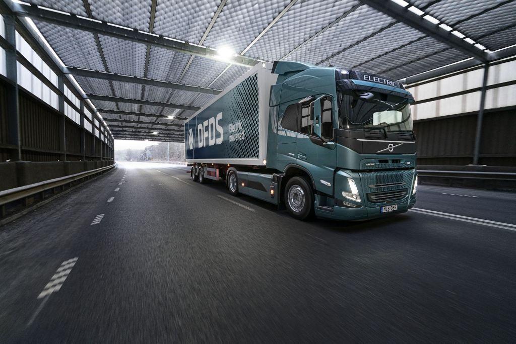DFDS en Volvo Trucks werken samen om elektrische transporten mogelijk te maken
