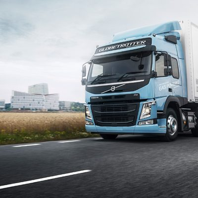The gas-powered Volvo FM LNG is perfect for heavy regional and long-haul transports.