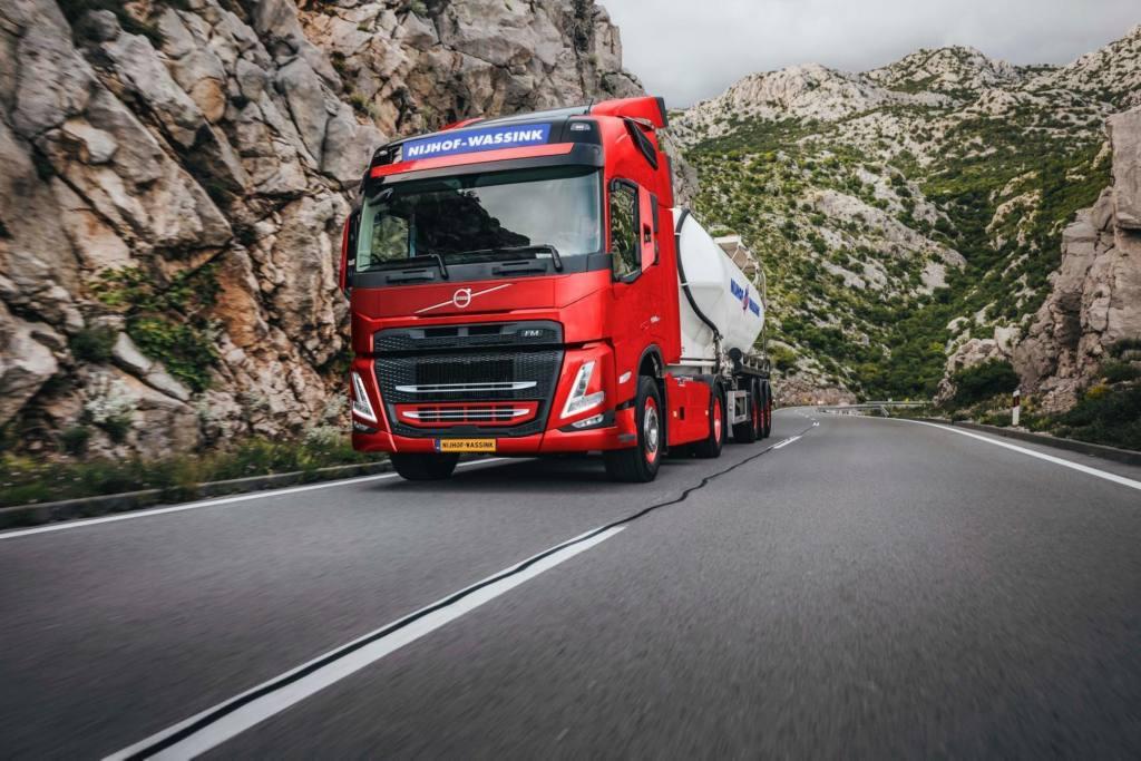 100 Volvo-trucks voor Nijhof-Wassink