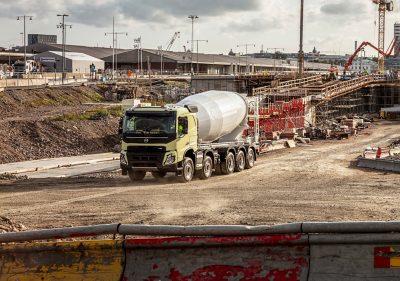 Holen Sie sich Ihren Volvo FMX mit bis zu fünf Achsen direkt ab Werk.
