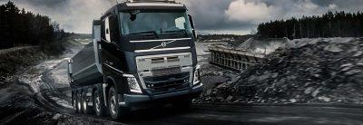 O poder das evoluções traz-lhe o Volvo FH16 Classic.