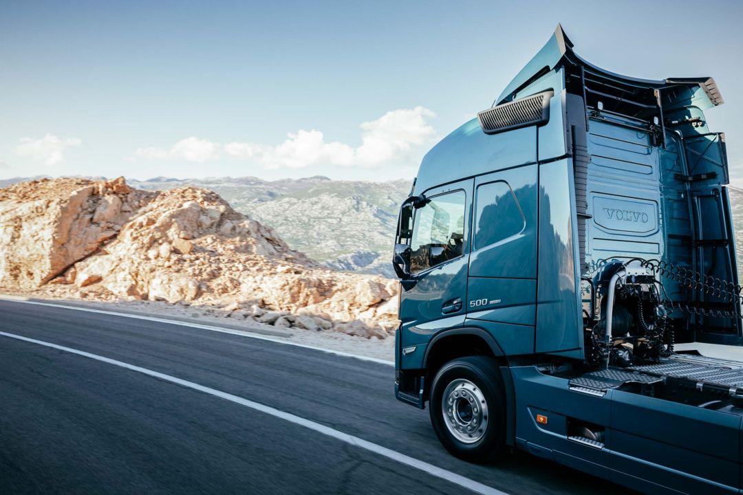 Lightweight trucks