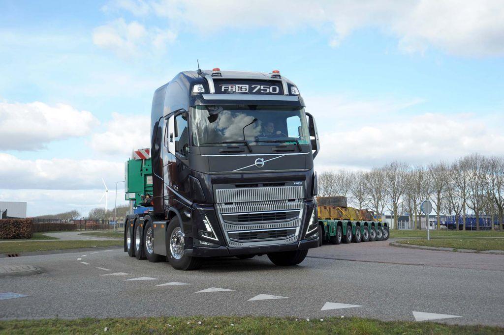 """Journalist Iep van der Meer (BIGtruck) over de nieuwe Volvo FH16: """"De Volvo doet opvallend soepel zijn werk"""""""