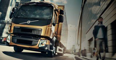 在街道上更安全行駛的卡車