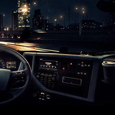 Controle de alerta ao motorista do Volvo FM