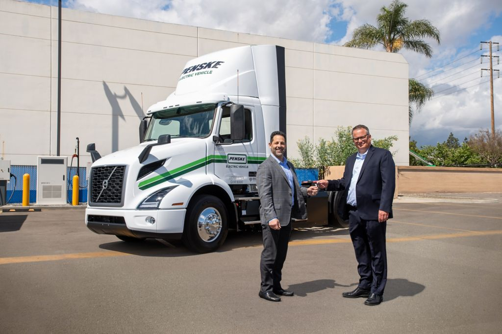 Volvo Trucks Provides Penske Truck Leasing with VNR Electric Models in Southern California