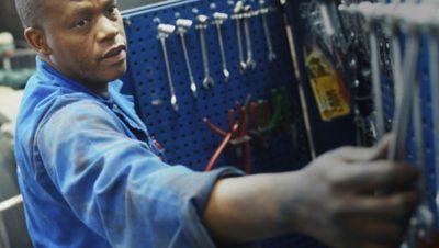 Dygtige mekanikere og de rette serviceydelser betyder øget driftstid.