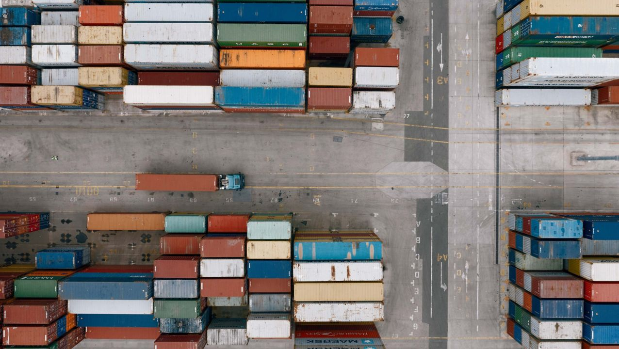Konteinerių gabenimai